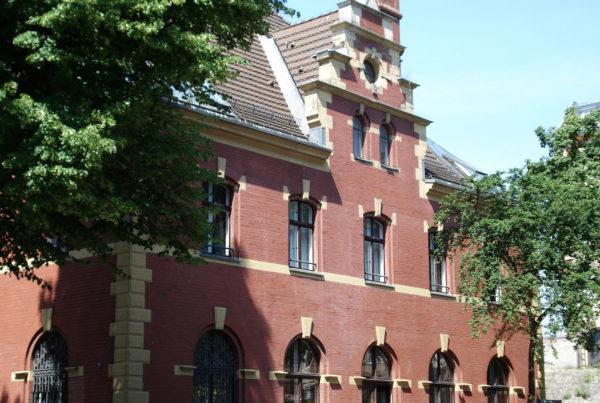 """Büros im historischen """"Kaiser-Bahnhof"""" in Berlin-Charlottenburg"""
